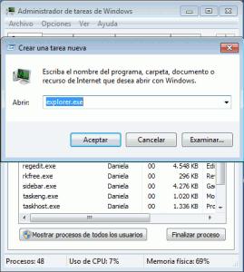 poner tu nombre al lado del reloj de Windows 7