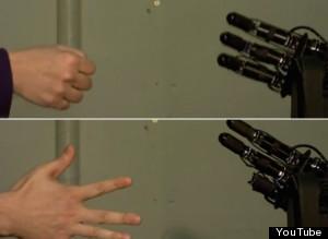 El robot que nunca pierde a piedra, papel o tijera
