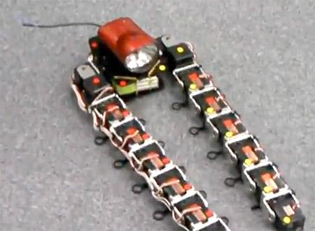 Metallic Vaio: El robot japonés con tentáculos