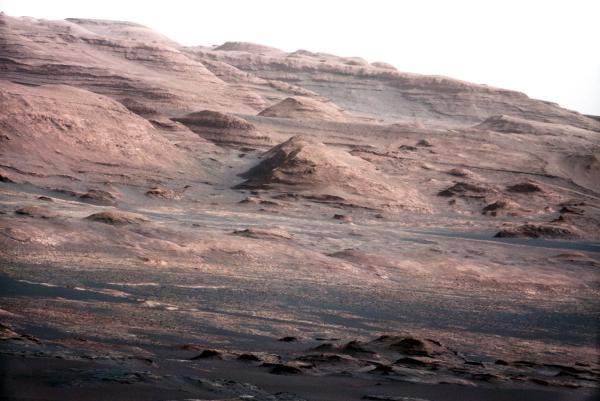 La sonda Curiosity envía nuevas imágenes impresionantes de Marte