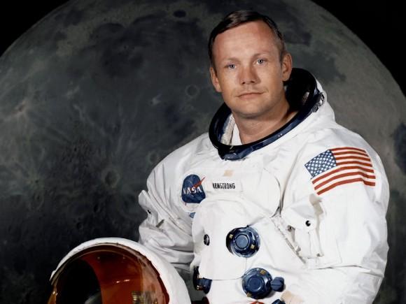 El primer hombre en pisar la Luna Neil Armstrong muere a los 82 años