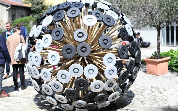 Kafon Mine, cazador de minas terrestres tiene la forma de un diente de león