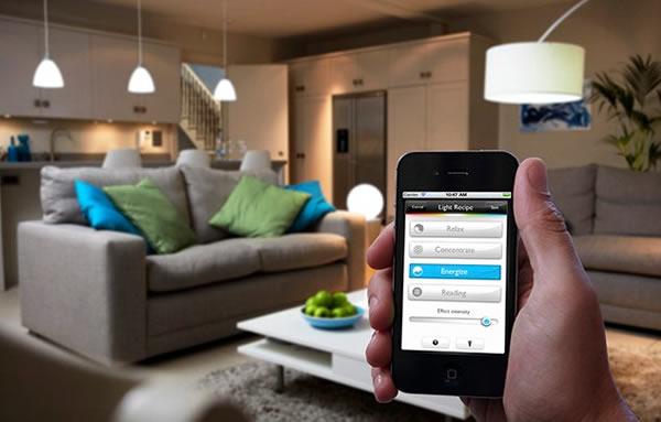Lámparas LED HUE multicolor de Philips controladas con el Smartphone
