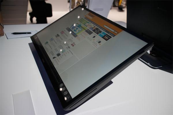 Monitor SC770 de Samsung se inclina hasta 60 grados