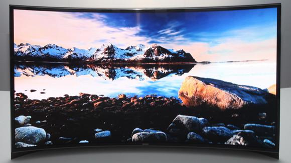 Samsung presenta la primera TV OLED curva del mundo