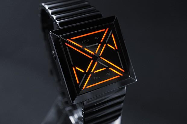Kisai X un reloj que utiliza LED en forma de pirámides que tendrás que descifrar para saber la hora