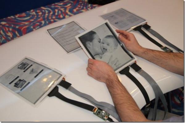 Ordenador transformado en papel