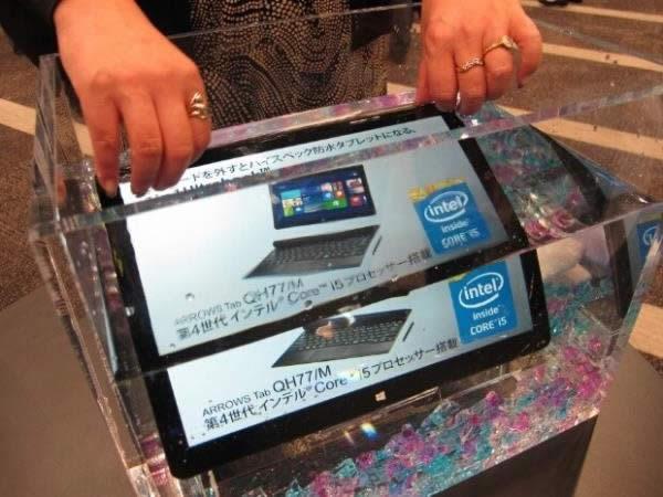 Tableta con Windows 8l de Fujitsu funciona bajo el agua