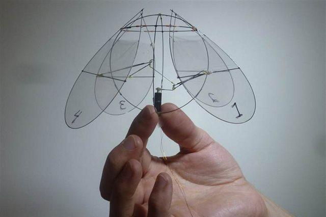 Robot volador simula los movimientos de una medusa