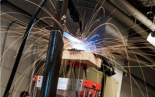 Científicos crean impresora 3D económica que imprime objetos de metal